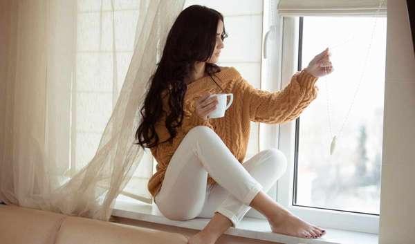 Как приготовить горячий шоколад Фото девушки с чашкой