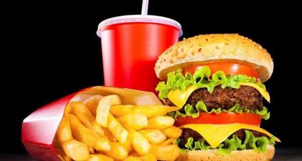 мяса, рыбы, грибов, исключает жирные, жареные и высококалорийные продукты