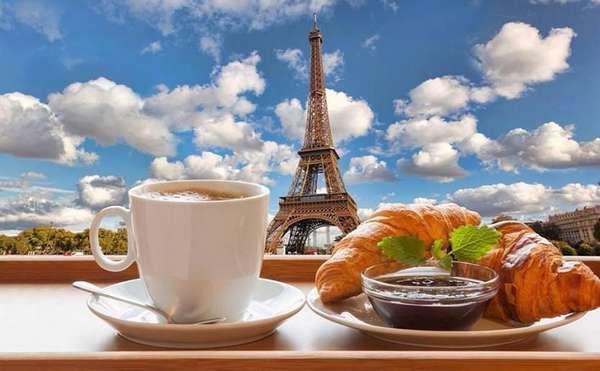 Фото круасан и кофе