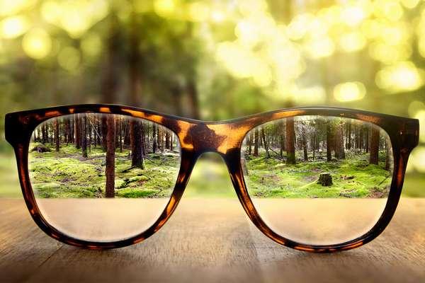 Дешёвые очки портят зрение