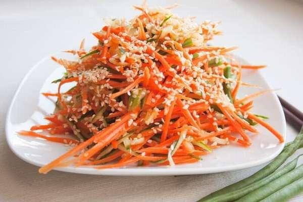 Фото: Морковный салат с кунжутом