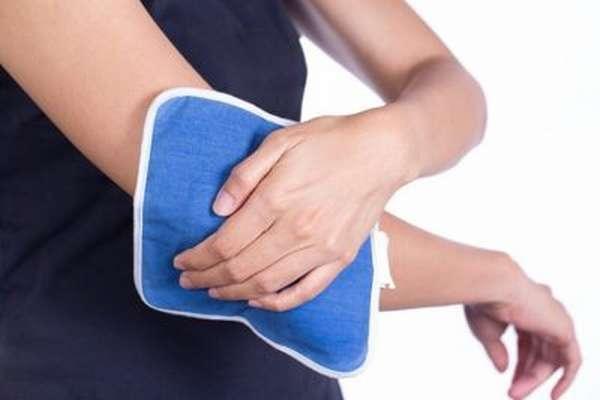 Почему болят суставы и связки