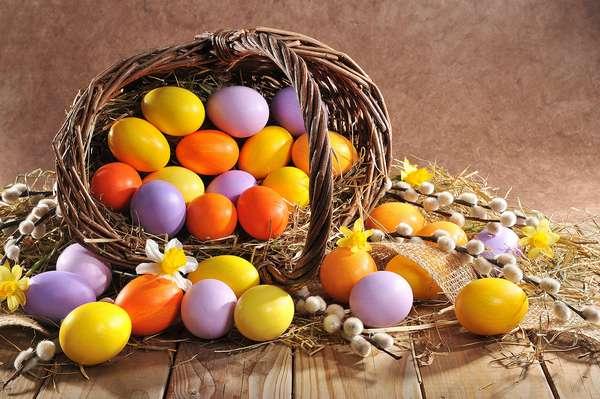 Зачем едят яйца на Пасху Фото крашеных яиц