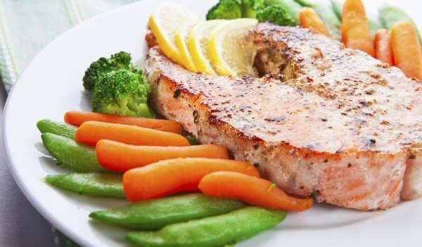 Рыба с овощами фото