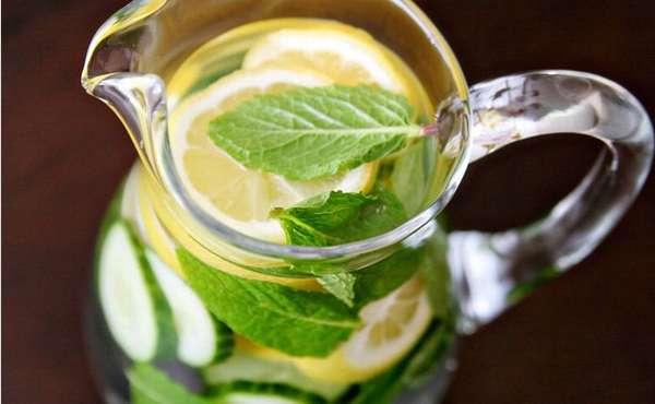 Имбирь с огурцом, лимоном и мятой