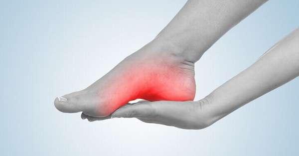 Признаки трещины в стопе ноги