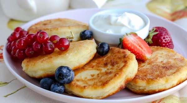 Полезный завтрак для детей Фото сырников
