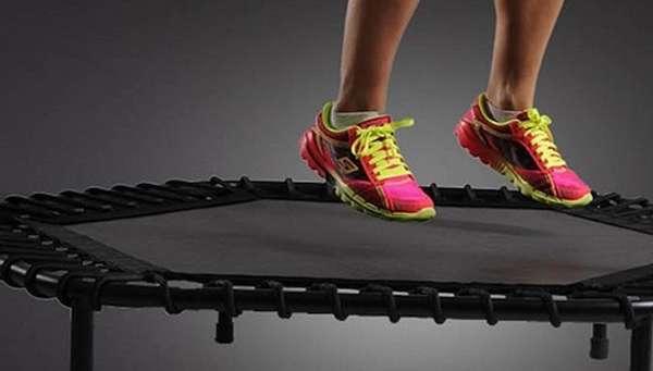 Упражнения на батуте для похудения