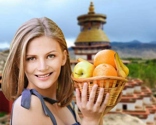 Тибетская диета Фото девушки с фруктами