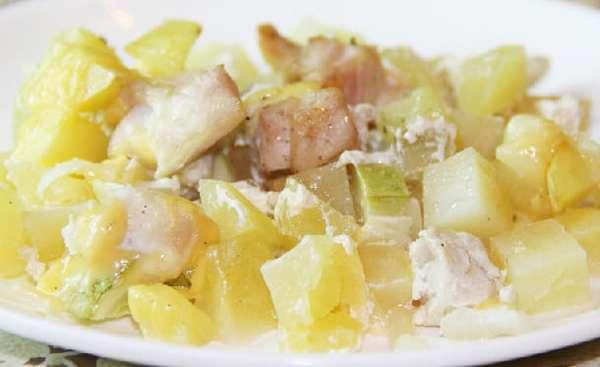 Куриная грудка с кабачками и картошкой Фото