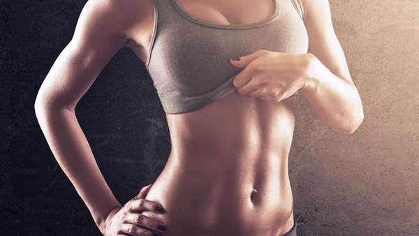 При упражнении вакуум подтягиваются внутренние мышцы