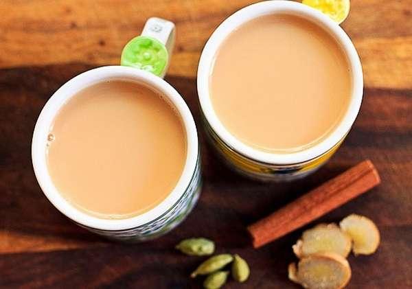 Чай на молоке с корицей