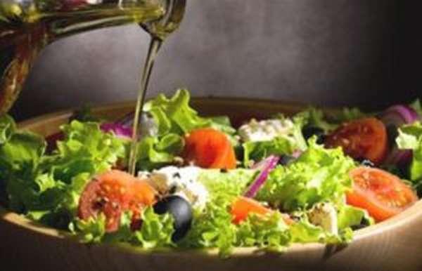 тушеные на подсолнечном или оливковом масле овощи