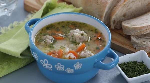 суп на некрепком мясной бульоне с добавлением риса