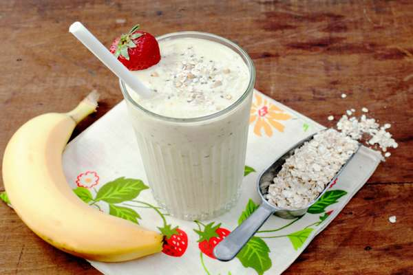 Фото смузи: овсянка, банан, молоко