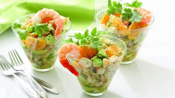 Салат из креветок и авокадо Фото