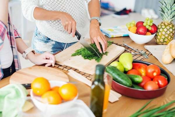 Готовим полезный салат Фото