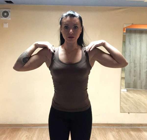 Упражнение Обними плечи 1