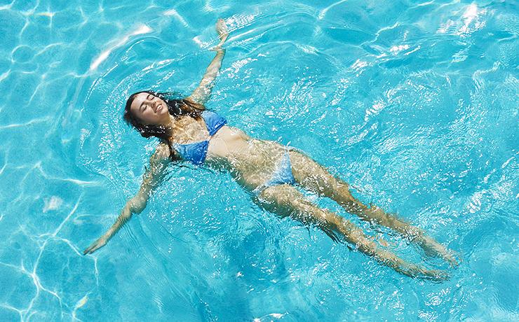 Комплекс упражнений для похудения в бассейне