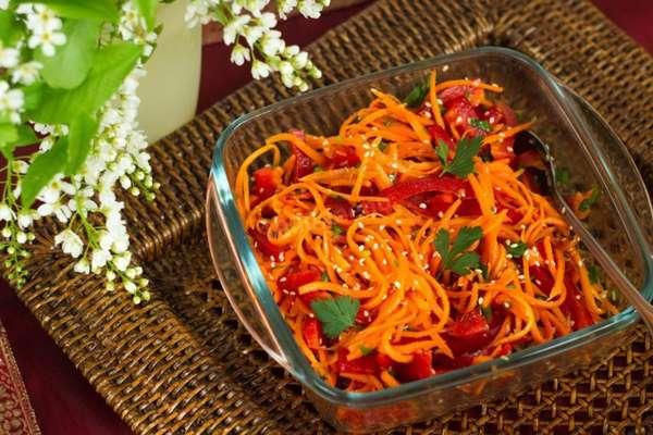Салат по корейски Фото