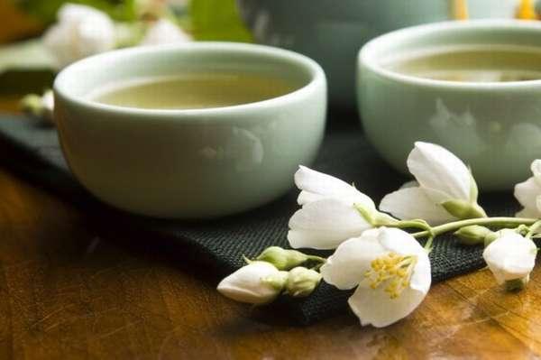 Чай с молоком и жасмином