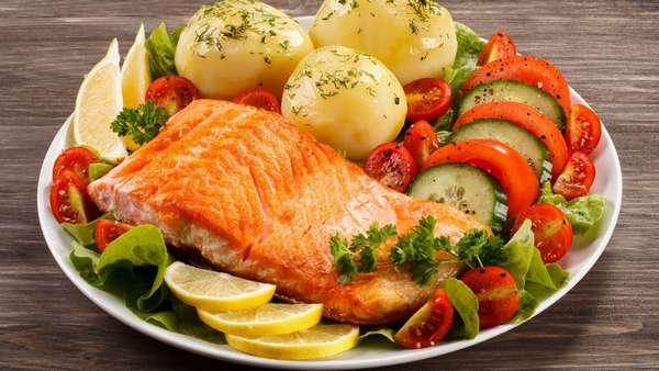 Рыбу солим в конце приготовления