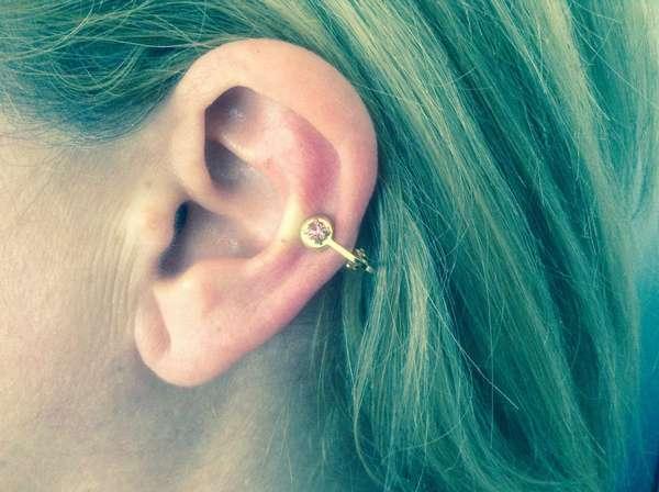 Золотая игла: прокалываем уши и худеем