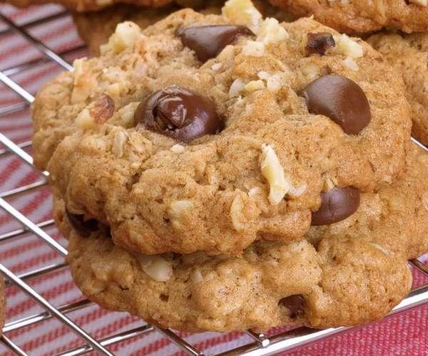 Печенье из геркулеса с кусочками шоколада Фото