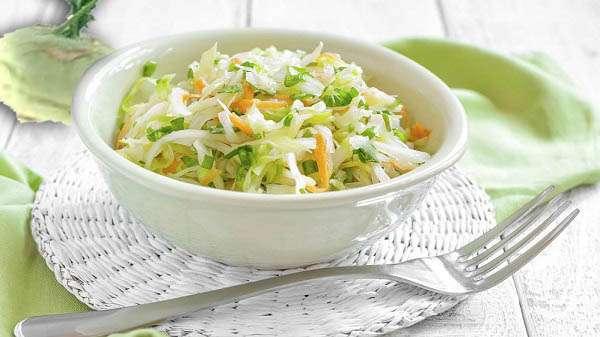 Фото: Салат с капустой кольраби для похудения