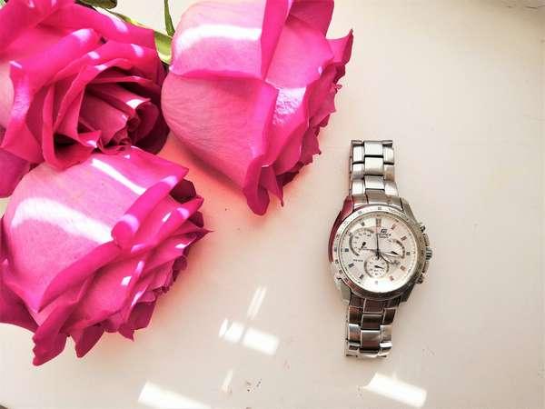 Интервальный вариант голодания Фото розы и часы