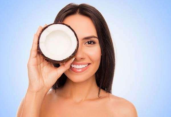 Кокосовое масло для лица - наш помощник для красивой кожи