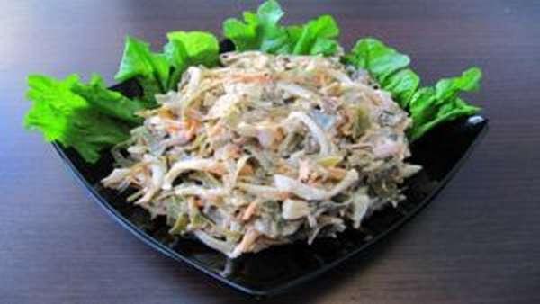 Салат с морской капусты и кальмарами