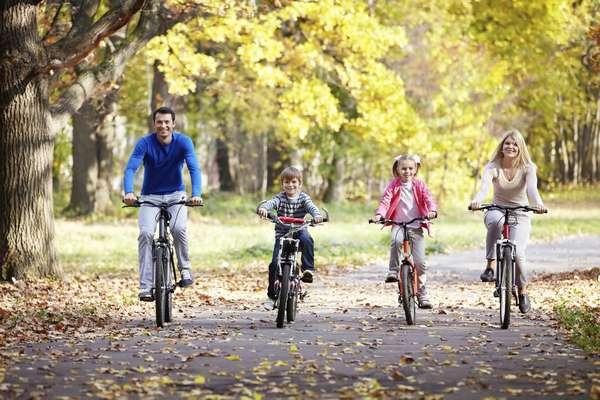 Велосипедная прогулка семьей