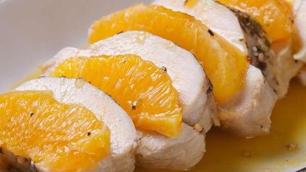 Грудка курицы с дольками апельсина Фото