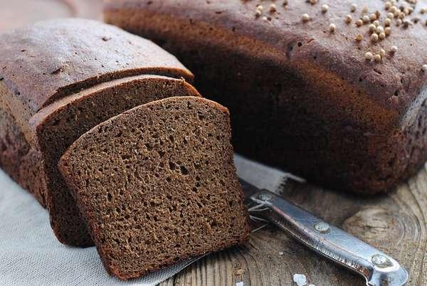 На фото бородинский хлеб