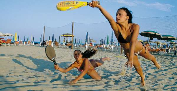 Пляжный теннис: то, что вы хотели узнать о нём